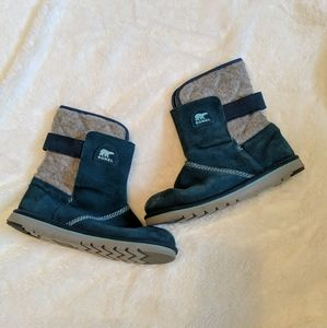 Sorel teal and gray suede midcalf winter boots